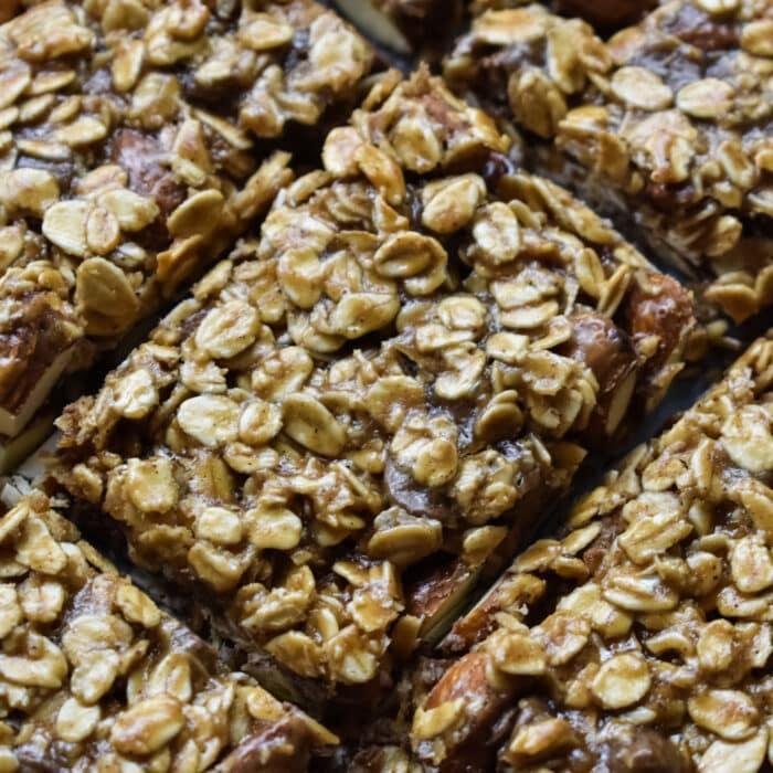 baked chocolate and almond muesli bars